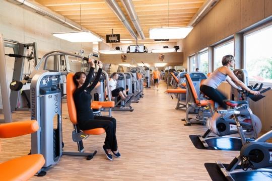 fitnesscenter wislepark. Black Bedroom Furniture Sets. Home Design Ideas